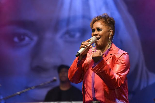 Sandra de Sá faz show em Camaçari 18 de agosto http://ift.tt/2fQ1nTJ