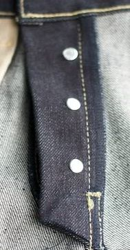 zip or button fly choose we will give you 14.5 oz selvedge denim with 50% less price than retail  #denim #selvedgedenim #selvedge #rawdenim #japanselvedge
