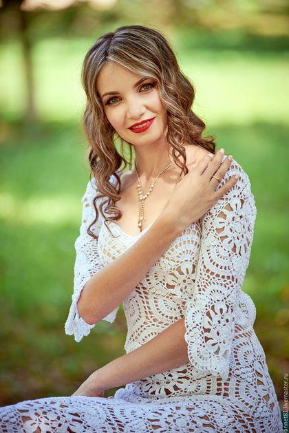 Купить или заказать Длинное платье ' Белая Калла ' в интернет-магазине на Ярмарке Мастеров. Ручная работа, авторская моделька .Очень эффектное, нежное платье. Спинка открытая, по периметру выреза вставлена резинка , держит плечики .Отличный вариант для любого торжества.