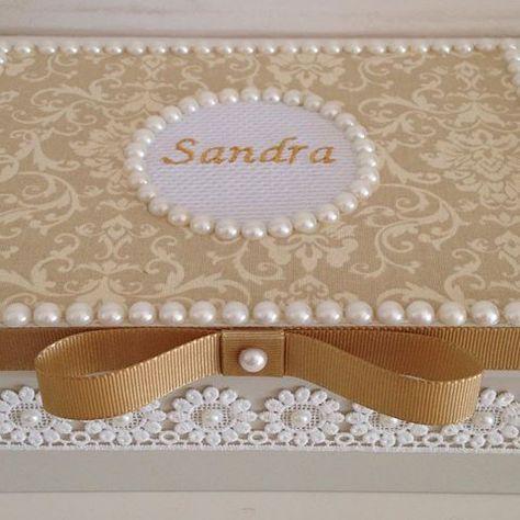 Acertando no presente caixas personalizadas decoradas com rendas e pérolas ❤️❤️❤️#lembreidevoce #presentearcomestilo #pessoasespeciais #atendendoapedidos #produtosnatura