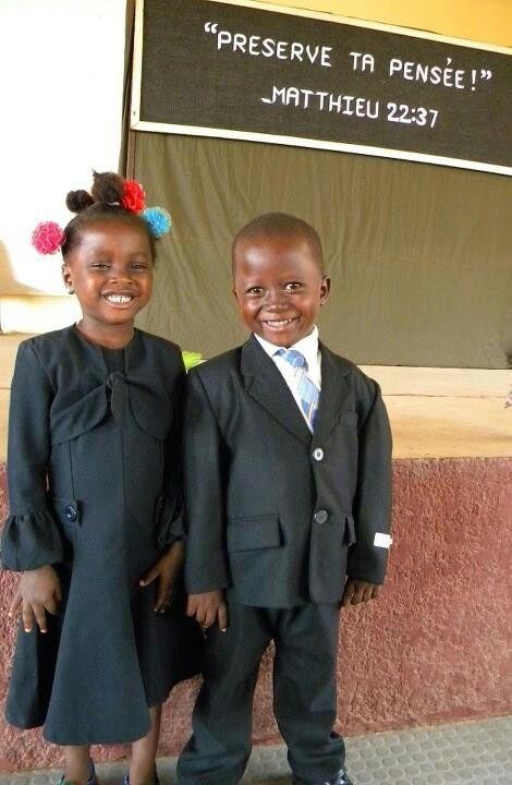 En Guinea Africa...just look at those smiles!!!