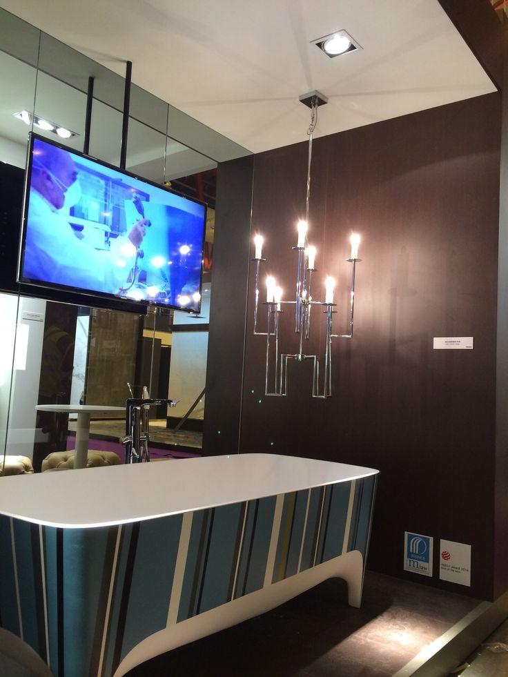 Pop #bathtub arrived at 100 % Design in London, bringing a splash of colour to the fair  ;) #design #bathroom