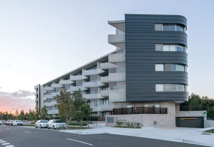 Little Bay Multi-Level Residence NSW Aluminium angle seam wall cladding with non-combustible substrate.