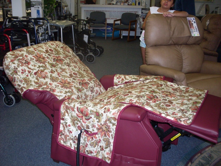 Waterproof Recliner Cover & Pockets (No directions or tutorial but I love this idea out of fleece or synthetic fleece)