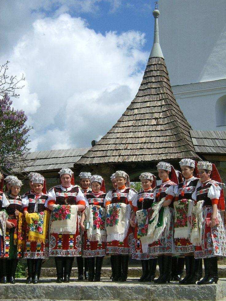 Les Hongrois du pays de Călata lors d'une fête populaire.