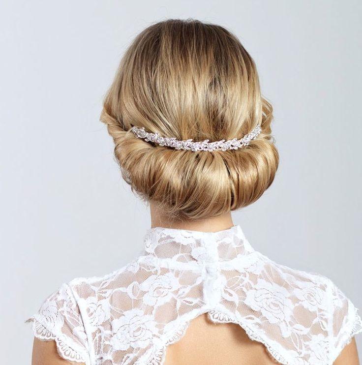 Wedding Hairstyle : Picture Description Wedding Hairstyle: Elstile - #Hairstyles https://weddinglande.com/hairstyles/wedding-hairstyle-wedding-hairstyle-elstile-178/