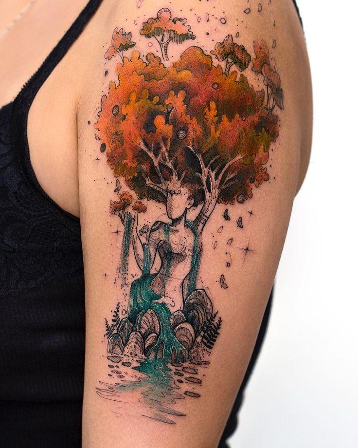 Tatuagem criada por Rob Carvalho de São Paulo.    Árvores e riachos coloridos, segurados pela mãe natureza.