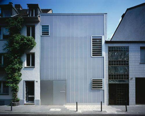 Fassade aus Polycarbonat-Stegplatten
