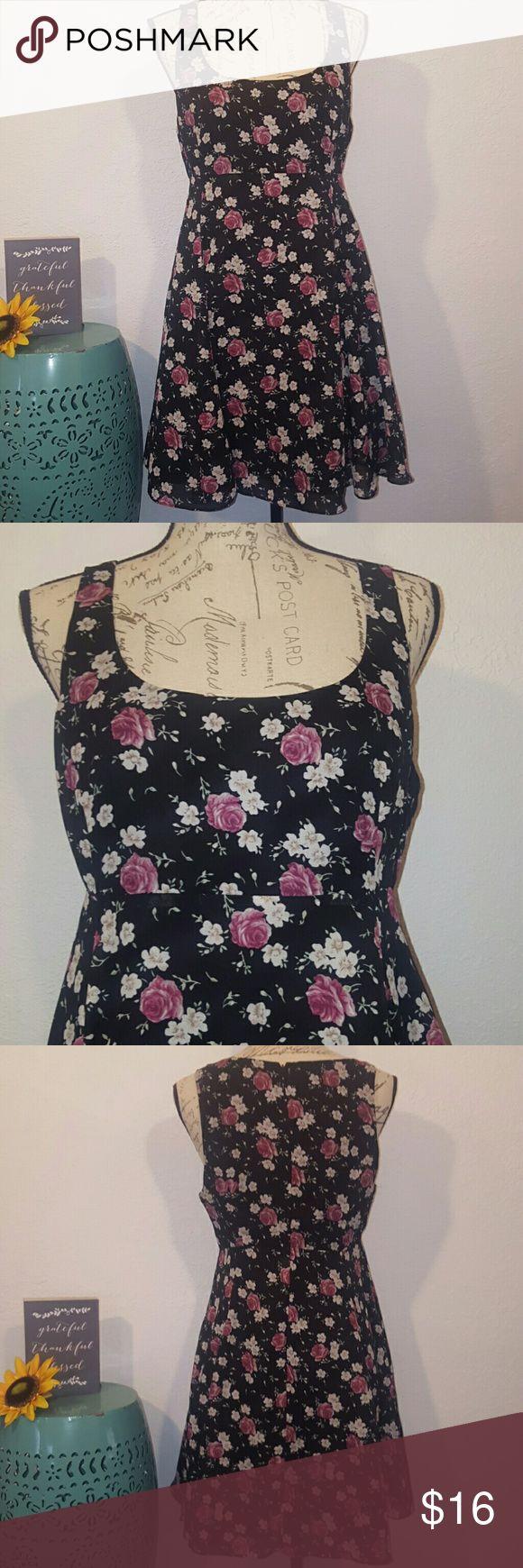 Kimchi blue black floral skater dress size 8 Zipper enclosure  Fully linned Kimchi Blue Dresses Midi