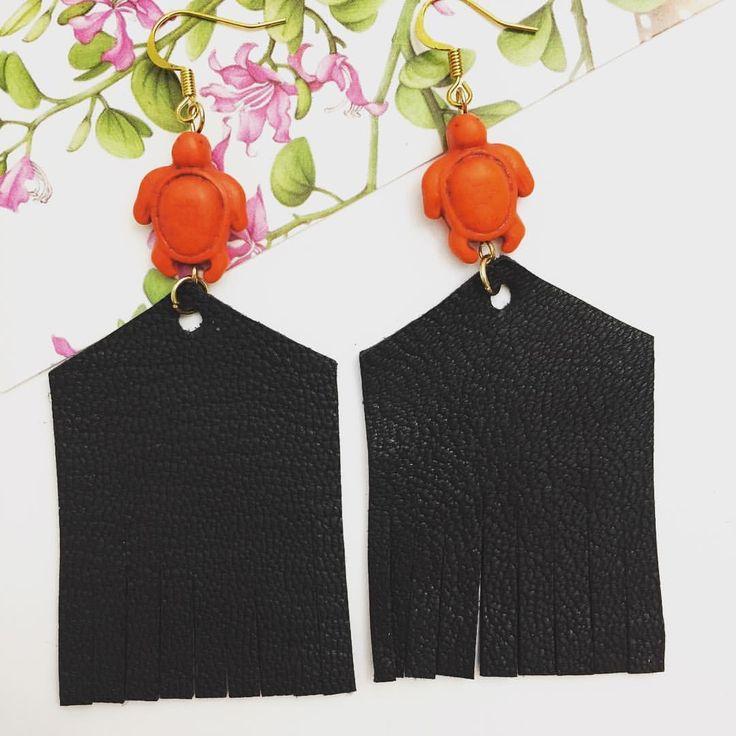 Looking for unique single copy earrings? I've got you covered! Go to kanelliaccessories.etsy.com #turtleearrings #tortoiseearrings #turtle #leather #fringe #black #orange