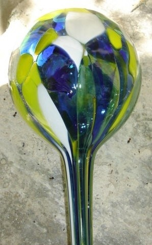 Watering Balls Flower Babysitter  Love this--both pretty and practical