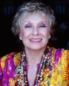 Cloris Leachman....buahahahaha....I just have to laugh when I see her because she is such a fabulous comedienne and BEAUTIFUL, to boot!!