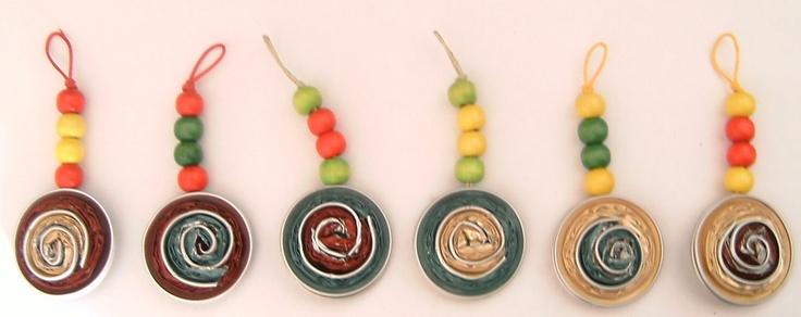 Llaveros Cápsulas Nespresso y bolas de madera.