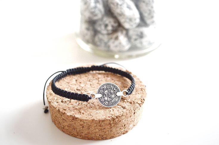 Bracelet Shamballa - Pièce de Monnaie ✨🌿 #etsy #etsyshop #etsygifts #etsyjewelry #jewelry #bijoux #shamballa #bracelet #argent #perle #mode #femme #accessoire #faitmain #handmade #woman #femme #fashion #style #instapic #creation #france #pièce #vintage #photo #photographie   https://www.etsy.com/fr/listing/576915270/bracelet-shamballa-piece-de-monnaie