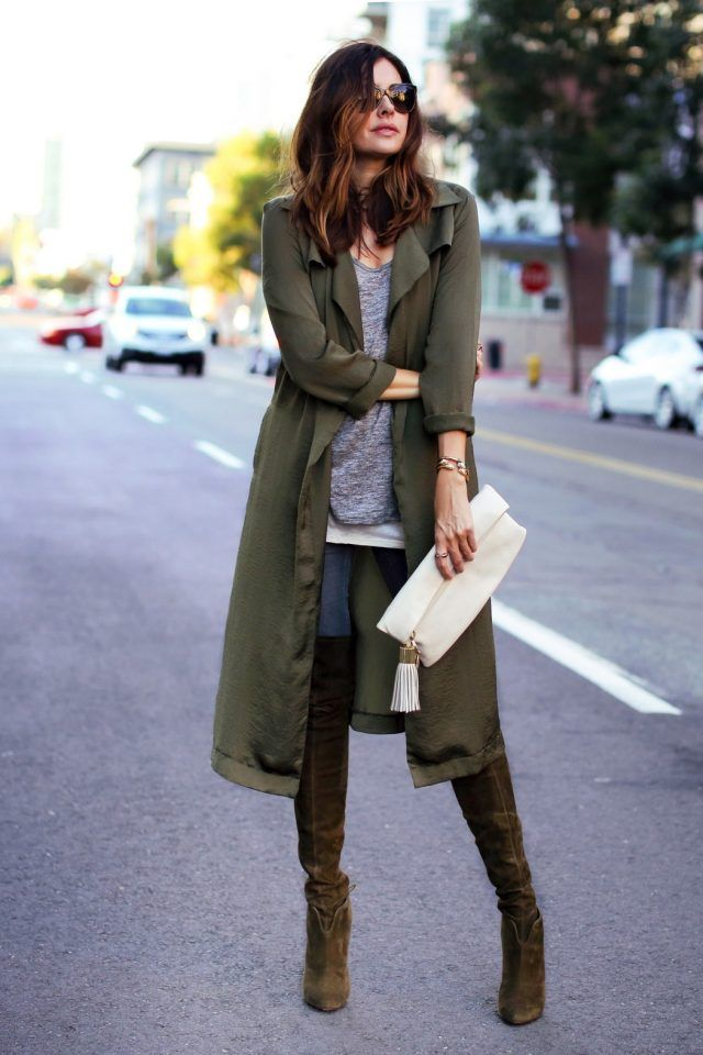 green-trench-coat-grey-t-shirt-and-skinny-jeans via