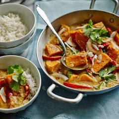 Thai red sweet potato, red pepper and coconut curry - Sainsbury's Magazine