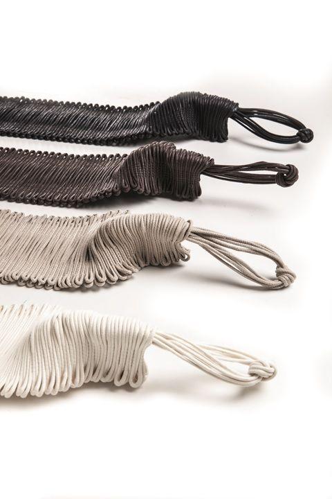 D'un cordó encerat de cotó, tota una temptació! De un cordón encerado de algodón, toda una tentación! #ontario #fabrics #tieback
