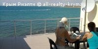 #Пгт. Николавека, Крым #Сдам в аренду: частный сектор, лето, дом на пляже  Частный отдых летом в Крыму 2016, снять дом у моря, цены без посредников! Пгт. Николаевка - прямо на пляже, море в 26-ти метрах, сдам домик со всеми удобствами, на 8-15 человек! Свой закрытый каменистый и песчано-галечный пляж с бесплатными шезлонгами, вход в море пологий, дельфины, природа, рыбки! Свет 380в, канализация центральная, водопровод - скважина, 3 этажа, 5 комнат, зал, кухня, 3 санузла, 3 кондиционера…