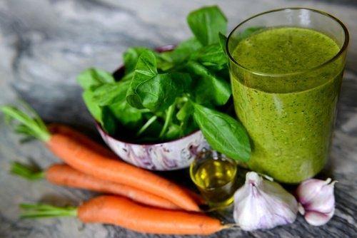Mit grünen Shakes den Blutdruck senken und die Nieren reinigen