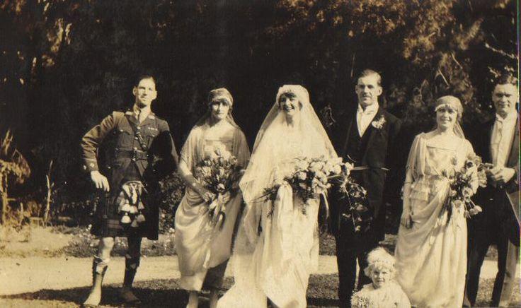 Gwen Bisset and Vyvyan Watson. 1920