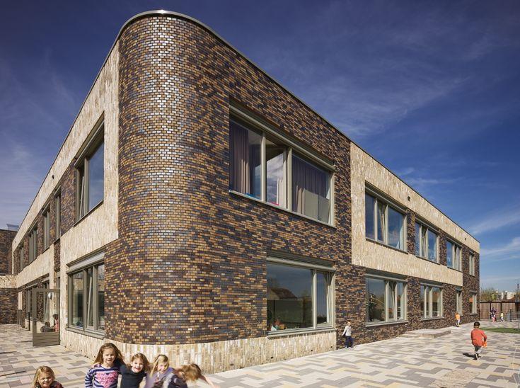 MFC Breskens (NL); GAJ VBW Architecten; Brick Facade; modern schoolbuilding; round brick corners.