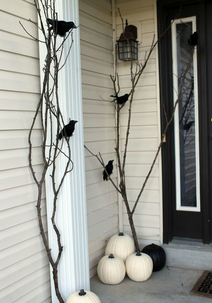 15 haunted halloween decor ideas for your front porch - Halloween 2016 Decorations