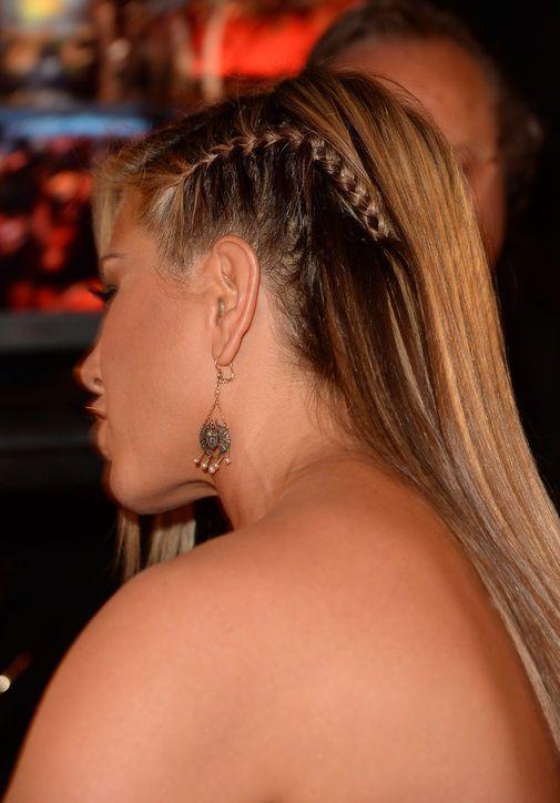 ¡Nunca antes habíamos visto el cabello de Jennifer Aniston como este! ¡Es tan nervioso para ella! …