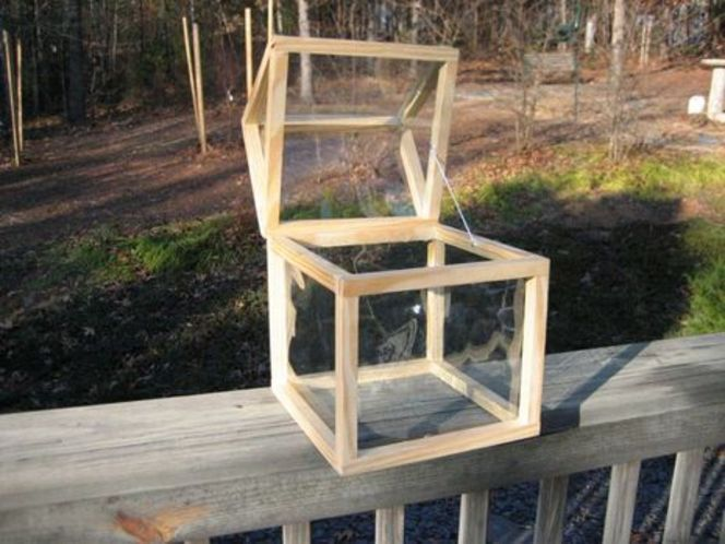 Small scale greenhouse that's easy enough to build for even the inept. Imagine a few of these filled with greenery and sitting in a row. Nice.