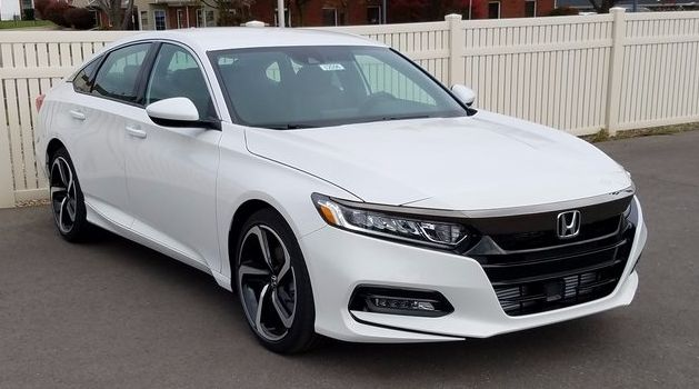 2018 Honda Accord Review – One of the backhanded enhances often foisted on well-known vehicles, like Honda's Accord, is that they're so dependable they are dull – the implication that dependability needs to, perforce, generally preclude desire. There's additionally that solidity of ch...