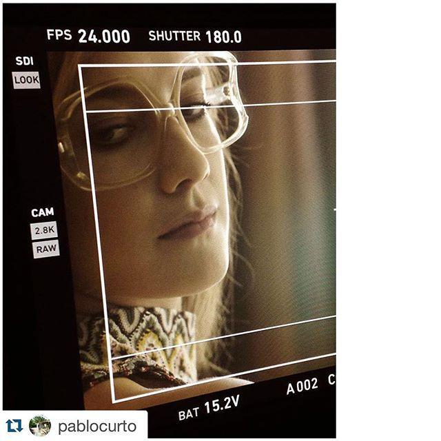Soy actriz, me apasiona la moda y me encanta viajar. Hoy reuní todo en un #fashionfilm dirigido por el gran @pablocurto en Madrid. - with @repostapp. ・・・  #onset with the gorgeous @clarialonso in Madrid! w/ @juandeespadaysantacruz @antiestatico_ae @findingpink @nauzetgaspar @chalobcooke @tinajinn @_chingisabella @javierdemiguel_ #fashionfilm