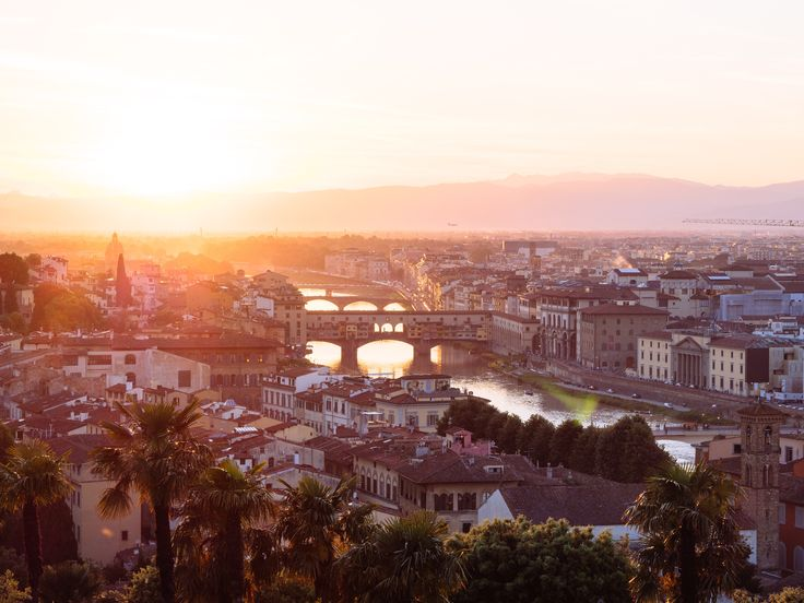 There is so much to do in Florence; from the incredible architecture to the rich history you'll want to make the most of your 24 hours there!