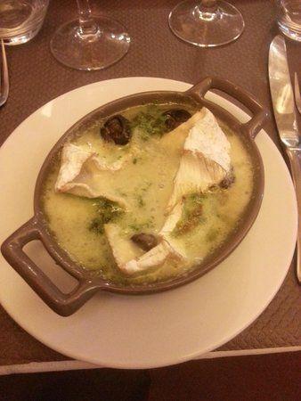 Cassolette d'escargots gratinés au camembert http://www.750g.com/cassolette-descargots-gratines-au-camembert-r41077.htm