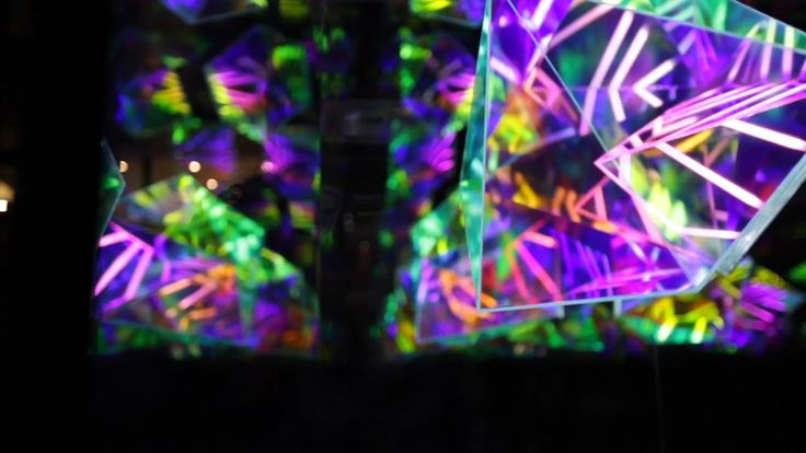 Momentum comprises of three, freestanding vertical 'infinity boxes': mirrored structures in which an illuminated three-dimensional object creates kaleidoscopic…