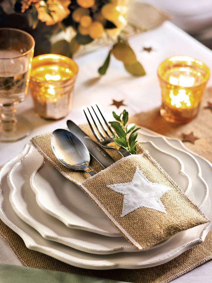 Servicio de mesa de Navidad con una funda en tela de saco y estrella de tela blanca para los cubiertos (374232)