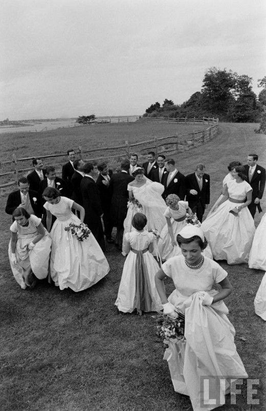 Jackie Kennedy Wedding Dress | Jacqueline Kennedy wedding dress Archives - Something Pretty