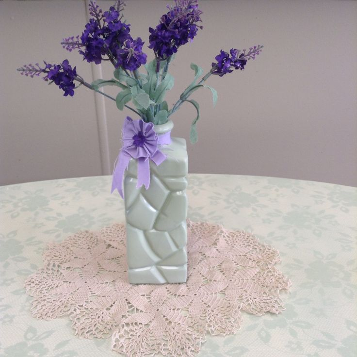 This vase was so easy to make thanks to Pinterest lol Oh and check out the handmade doily I picked up op shopping it has so much detail in it absolutely beautiful, a talent I wish I possesed