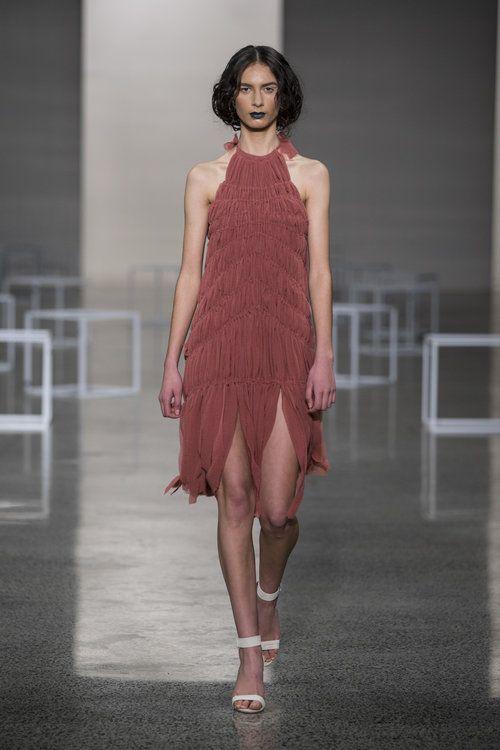 Miromoda's Allana Cooper dress at #nzfw2016 with amazing texture. Allana Cooper_NG_0088.jpg