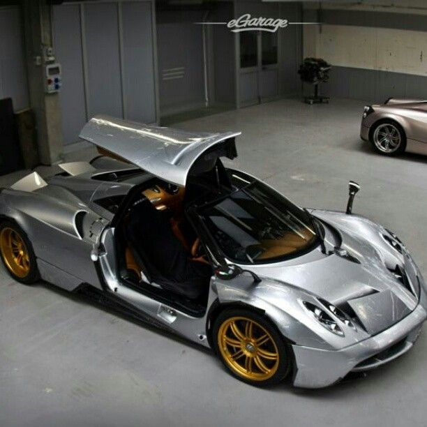 sweet paganai huayra silver body gold wheels and interior looks cool vehicles that rock. Black Bedroom Furniture Sets. Home Design Ideas