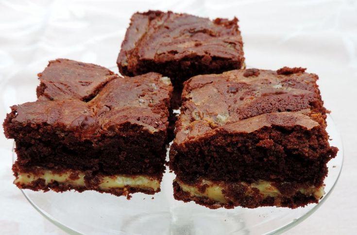 Zelfgemaakte brownie met salted caramel is net even anders dan de bekende brownies en een echte sensatie bij de koffie of bij een high tea.