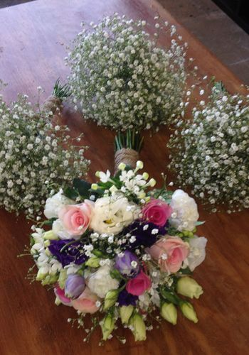 Pink and Purple Bouquet with Baby's breath bouquets created by The Wild Orchid Florist Echuca Victoria. #babysbreath #gypsophillia #thewildorchid #echucaflorist #purpleflowers