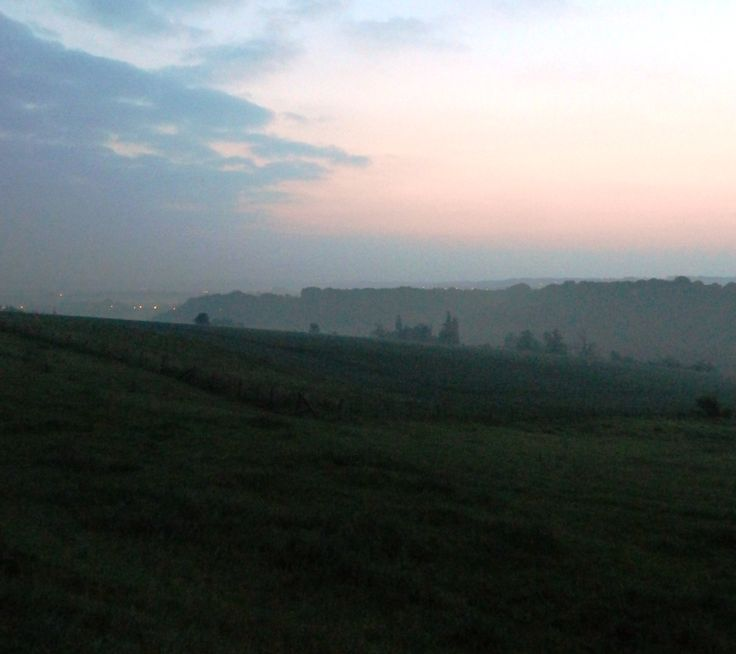 Het ochtendlicht ontmoeten om 05:00 uur. Daarna krijgt de aarde kleur!