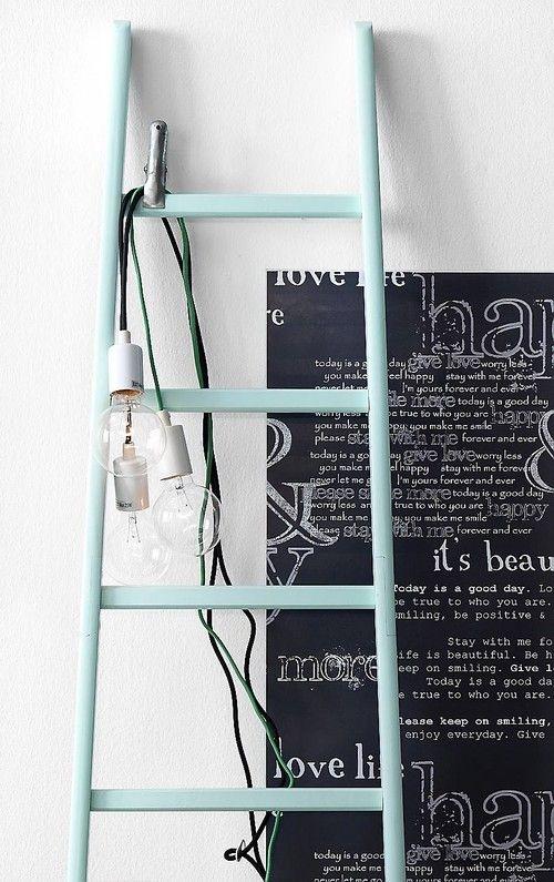 Stege dekorerad med belysning