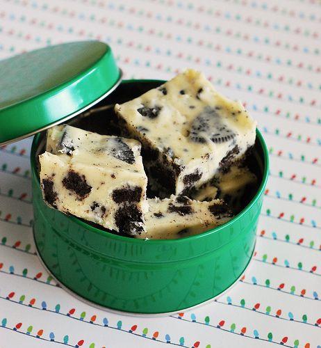 Oreo Cookies & Cream Fudge . So EASY EASY !!