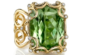 This Erica Courtney ring, made of 18-karat gold with diamonds, zultanite and pink sapphires, retails for $ 36,000 and follows the 2011 trend of green colors in jewelry.: Courtney Vintage, Zultanit Gems, Courtney Rings, Yellow Gold Rings, Diamonds Rings, Green Settle, Erica Courtney, Fashion Jewelry, Green Colors