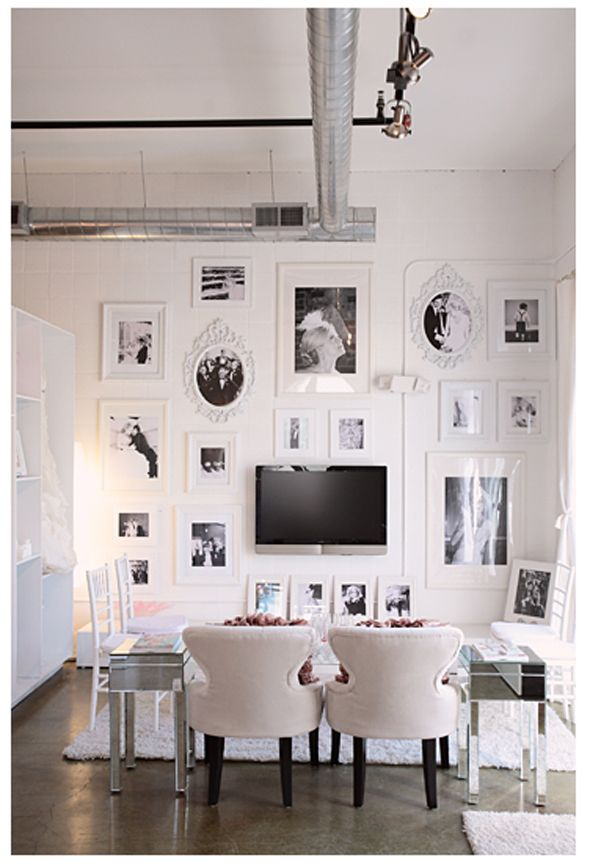 In that case, @Rachael Kaminski I think that this kind of layout and look of furniture would go with the clean stripes well.