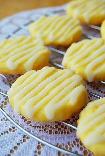 I adore lemon cookies!