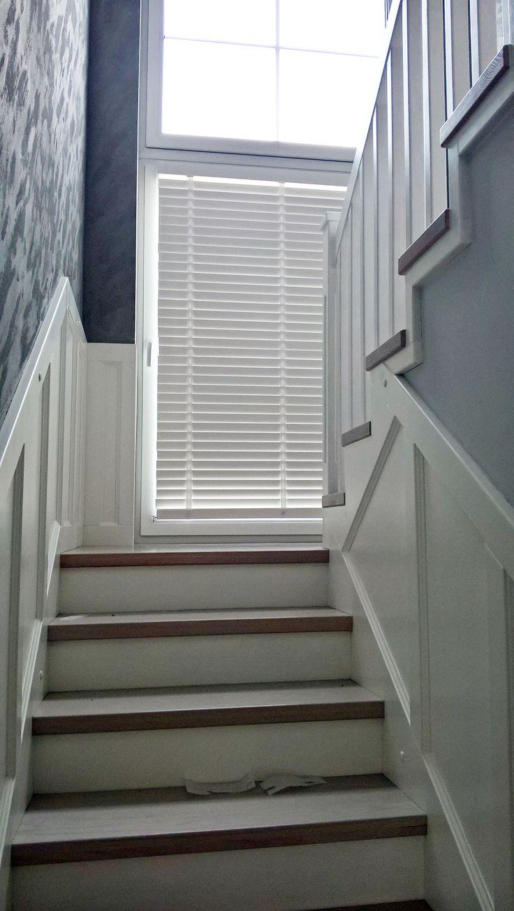 Białe Żaluzje Drewniane.  Zajrzyj na Nasze Domowe Pielesze po więcej inspiracji! <3