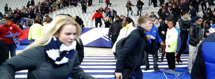 Zuschauer im Stade de France: So schnell wie möglich den Albtraum hinter sich lassen http://www.spiegel.de/politik/ausland/terrorserie-in-paris-anschlag-waehrend-des-laenderspiels-a-1062809.html