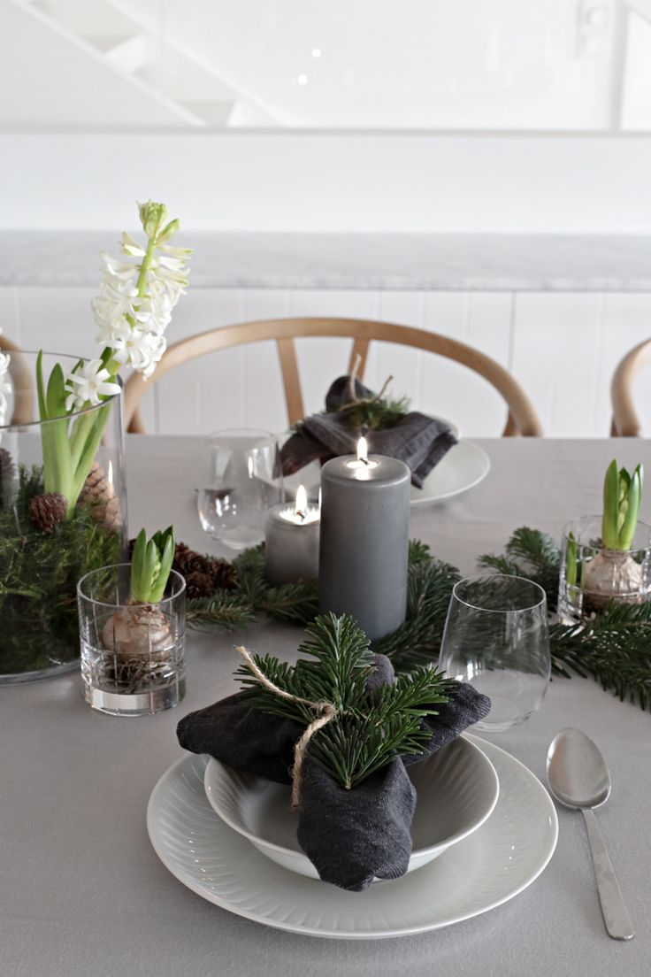 Christmas table setting green and grey