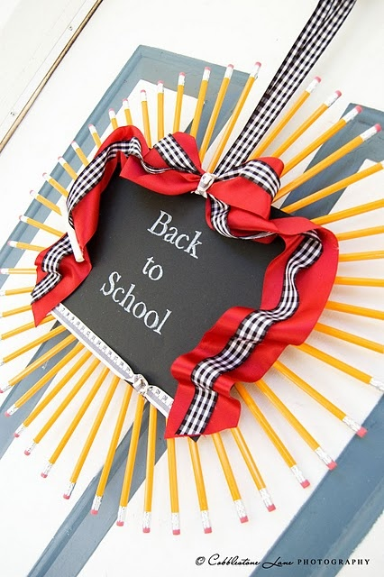 "Cool Pencil ""Back to School"" Wreath.  This would be so cute on an elementary classroom door and you could change the chalk board each day or week!"